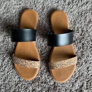 Universal Thread Leopard Print Sandals